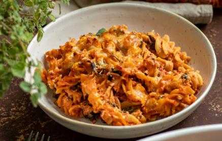 Recept - Zapekané cestoviny s paradajkovou omáčkou a syrovou krustou